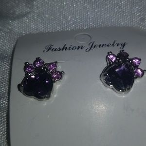 Jewelry - Paw print earring studs